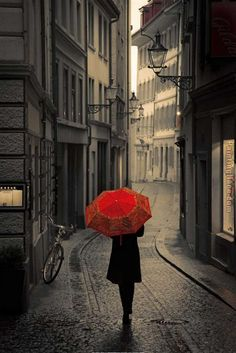 Red umbrella 2.jpg (720×1077)