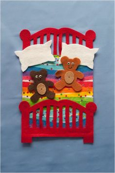 Five in the Bed Felt Board Set – Red Bed with Brown bears . Informations About Five in the Bed Fel Felt Diy, Felt Crafts, Kids Crafts, Felt Board Patterns, Early Childhood Centre, Pete The Cats, Felt Stories, Flannel Friday, Finger Plays