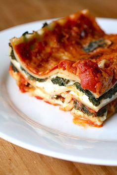I love (vegan) lasagna and typically eat half a pan of it in one shot. Putting it on my to-make list for the next week. Wish I had a live-in cook to make it for me EVERY week. Then again, I'd blow up like a balloon on helium steroids! --Pia (Must make vegan lasagna... it's time. Mm... I want it NOW!!!)