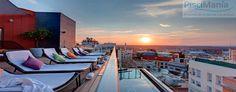 """De todos es conocido la famosa frase de: """" De Madrid al cielo"""" por los espectaculares amaneceres y atardeceres que regala esta ciudad a sus visitantes y vecinos. También es muy conocida la de: """"Aquí no hay playa"""" pero para combinar y tratar de minimizar una y la otra, en Madrid existen algunas de las más espectaculares piscinas en terrazas. En este post hacemos un repaso de las que más nos gustan. http://piscimania.com/2015/01/07/piscinas-en-el-cielo-de-madrid/"""