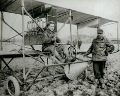 Pilot Tony Jannus and Captain Albert Berry with the Benoist-built bi-plane they used when Berry became the first person to parachute from an airplane on 1 March ©Missouri History Museum Historical Images, Historical Society, Aeroplane Flying, Car Images, History Museum, Public Transport, Location History, Astronomy, Missouri