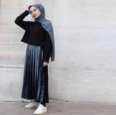 Genç Tesettür Hijab Style, Casual Hijab Outfit, Hijab Chic, Hijab Dress, Casual Outfits, Long Skirt Fashion, Modest Fashion, Fashion Outfits, Street Hijab Fashion