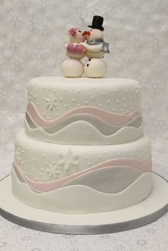 Pastel winter wedding cake  ... #rustic #winter #wedding ... https://itunes.apple.com/us/app/the-gold-wedding-planner/id498112599?ls=1=8 … Tips on how to organise your dream wedding, within your budget ♥