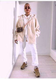 New fashion street urban casual shoes Ideas Fashion Mode, Fashion Killa, New York Fashion, Look Fashion, Trendy Fashion, Fashion Trends, Fashion Ideas, Trendy Style, Fall Fashion