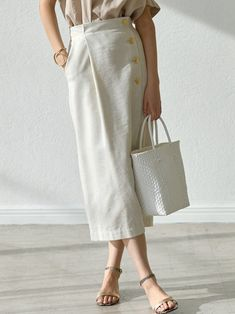 Apr 2020 - This Pin was discovered by ОРModern Hijab Fashion, Minimal Fashion, Korean Fashion, A Line Skirt Outfits, Modest Outfits, Teen Fashion Outfits, Womens Fashion, Look Chic, Street Style