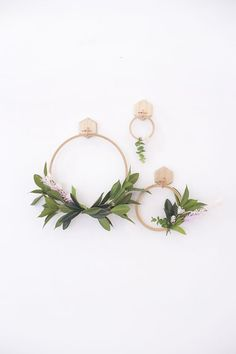 Make a Simple Spring Faux Wreath - Lily & Val Living