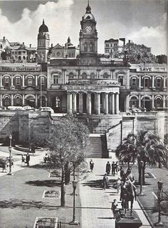 ANZAC Square,the War Memorial and Central Railway Station, Brisbane, 1950 Brisbane Gold Coast, Brisbane City, Melbourne, Aussie Australia, Sydney Australia, Australian Photography, Brisbane Queensland, Old Photos, Vintage Photos