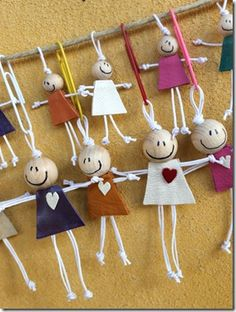 Best 11 Happy girls are an ArtMind trademark . From the beginning I added them … – SkillOfKing. Wire Crafts, Diy And Crafts, Crafts For Kids, Arts And Crafts, Yarn Dolls, Fabric Dolls, Christmas Crafts, Christmas Decorations, Christmas Ornaments