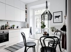 Here are the rooms Swedes preferably renovate Nordic Design, Scandinavian Design, Kitchen Gallery Wall, Kitchen Dining, Dining Room, Elle Decor, Decoration, Rustic, Interior Design
