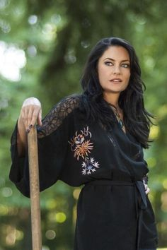 witches of east end | Witches of East End, Madchen Amick in Marilyn Fenwick, R.I.P ...