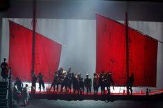 Crédit photo : Antoni Boffil Légende photo : Pier Luigi Pizzi signe la mise en scène de La Gioconda de Ponchelli à l'Opéra Bastille.