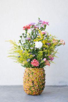 Réutiliser un ananas pour faire un vase