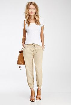 44 Casual & Elegant Spring Outfit Ideas with Jogger Pants Capri Pants Outfits, Jogger Pants Outfit, Cargo Pants, Casual Outfits, Cute Outfits, Fashion Outfits, Womens Fashion, Sporty Fashion, Fashion Joggers
