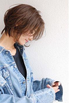 ラフな質感のショートヘア in 2020 Asian Short Hair, Girl Short Hair, Short Hair Cuts, Japanese Short Hairstyle, Cut My Hair, Love Hair, Her Hair, Oval Face Haircuts, Haircuts For Curly Hair