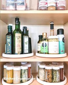 Home Edit : tips for organizing your kitchen! // studio mcgeeThe Home Edit : tips for organizing your kitchen! // studio mcgee MINHA COZINHA DOS SONHOS Kitchen Storage-saver Hooks 44 smart small apartment storage decorating ideas on a budget 6 Kitchen Cabinet Organization, Diy Organization, Kitchen Storage, Cabinet Ideas, Kitchen Cabinets, Studio Mcgee, Diy Kitchen, Kitchen Decor, Kitchen Ideas