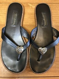 e28d2b524fdea Brighton Women s Size 8.5 M Black Leather Thong Flip Flop Sandals Heart  Orla2  Brighton