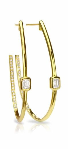 Keep your date night look ultra feminine with a pair of Forevermark Emerald Cut Diamond Hoops. Made to add a touch of sparkle to any outfit, you'll go from day to night in a matter of minutes with these yellow gold earrings.