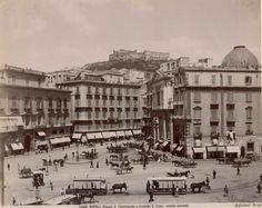 San Ferdinando Square, Naples