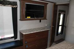 2016 New Keystone Montana 370BR Fifth Wheel in Arkansas AR.Recreational Vehicle, rv, 2016 Keystone Montana370BR, 12cu. ft. Side by Side Refrigerator, 2nd A/C 13.5 BTU, AUTO LEVEL SYSTEM, Bike Rack, Decor- Fresco, Exterior Decor-Champagne, Free Standing Dinette, High Country Pkg, Moving to Montana Pkg, RVIA Seal, Slide Awning Pkg, Theater Seating , Winterization,