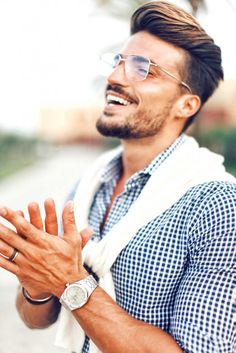 HOLIDAY OUTFIT IDEAS - CLARK KENT INSPIRED LOOK