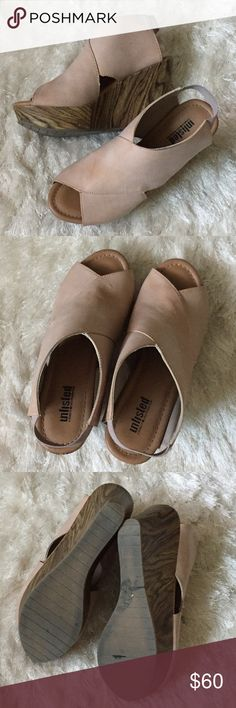 Kenneth Cole wooden wedges FINAL PRICE. Gently worn twice and in excellent condition. These are super stylish and have a lovely wood platform, plus comfortable padding in the sole. True to size. Unlisted by Kenneth Cole Shoes Wedges