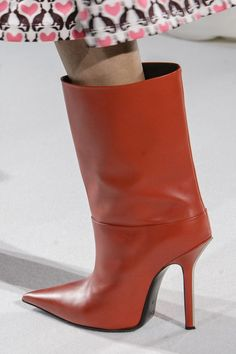 Mila Schön at Milan Fashion Week Fall 2017 - Details Runway Photos Source by fashion boots Ankle Boots, Heeled Boots, Bootie Boots, Ankle Heels, High Boots, High Heels, Cute Womens Shoes, Fashion Boots, Milan Fashion