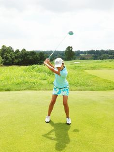katie-mccloskey:  I'm a Lilly kind of golfer