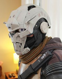 This incredible Destiny Cosplay Brings Exos To Life!