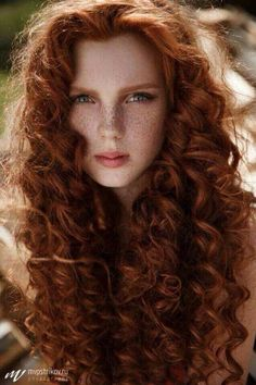 Ø°... Freckles, Red hair and curls? This ginger girls got it all.