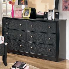 Furniture and bedrooms on pinterest for Ashley wilkes bedroom collection