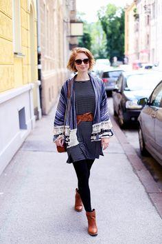 lässige Boots, Sommer Trend, Trendthema Bommel, Sommer, Streetstyle Innsbruck, Outfit, Trend, Modetipps, Finde deinen Stil, Influencer, Deutschland, Berlin, Mode Blog, Modeblog, Advance Your Style, advanceyourstyle