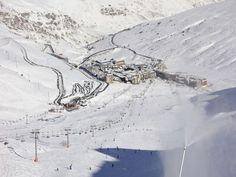 Comme chaque année, Tripadvisor a dévoilé son classement des stations de ski européennes les moins chères pour dévaler les pistes sans se ruiner. Direction Andorre, l'Espagne ou la Bulgarie pour faire des économies.