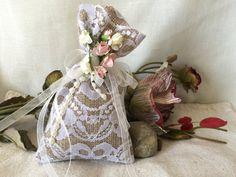 Natural Burlap Linen Favor Bags Wedding favor bags by StudioLena