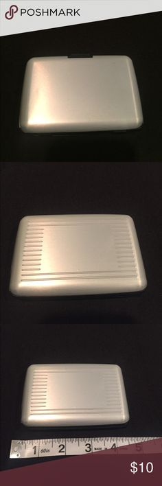 Cardholder Brand new cardholder container, can hold up to 7 cards Accessories Key & Card Holders
