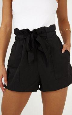 Allrounder Shorts In Schwarz Produziert - Bas (jupe,pantalon. Cute Casual Outfits, Cute Summer Outfits, Short Outfits, Black Shorts Outfit Summer, Summer Shorts, Long Shorts, Winter Outfits, Black Dress Shorts, Dressy Shorts Outfit