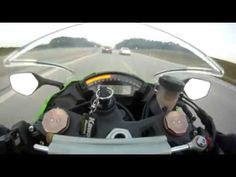 Audi RS6 Overtaking Kawasaki ZX10 at 300 km | http://shatelly.com