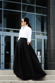 Black Maxi Skirt and White Button Down Shirt / Hallie Daily My all time fave go to get dressed up outfit! Dress Skirt, Dress Up, Skirt Outfits, Shirt Skirt, Long Skirt With Shirt, Dress Long, Modest Outfits, Looks Street Style, Looks Black