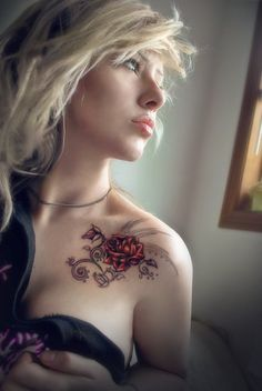 flower tattoo on the shoulder