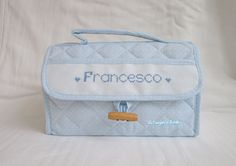 Beauty case personalizzato per Francesco; per info: http://lecreazionidimichela.it.gg/HOME.htm
