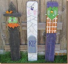 Halloween yard stake trio's