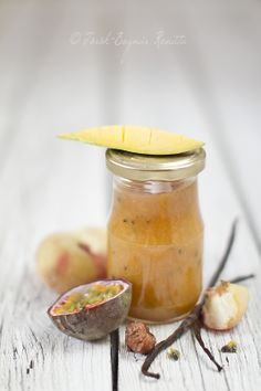 Peach jam with mango, passion fruit, and vanilla (recipe in Hungarian)