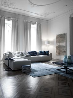 MERIDIANI I modular sofa I low table I rug