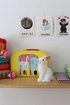 Kohti kotisaarta: Pitkä perjantai. Rabbit lamp