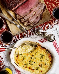 For a truly comforting Sunday roast, serve perfectly cooked beef sirloin with creamy spiced celeriac gratin. Sirloin Tip Roast, Roast Beef, Braised Steak, Large Family Meals, Roast Recipes, Dinner Recipes, Sunday Roast, Seasonal Food, Vegetable Dishes
