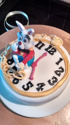 Alice in wonderland cake with White Rabbit. Alice In Wonderland Cakes, Birthday Candles, Rabbit, Bunny, Rabbits, Bunnies