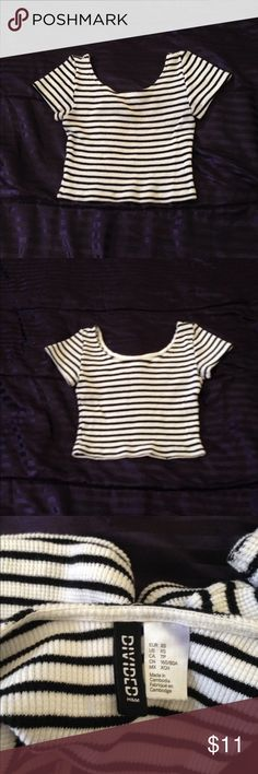 Cute ribbed crop top. Low back, short sleeve, 1st 3 pics is actually the item for sale. H&M Tops Crop Tops