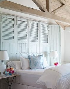 Blue, blue, blue ... Je suis certaine qu'avec une chambre comme celle-ci on se sent à la plage tous les matin!