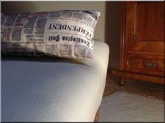 világos bútorkárpit shabby chic bútorokhoz, bútorszövet, kárpitozott bútor - Antik bútor, egyedi natúr fa és loft designbútor, kerti fa termékek, akácfa oszlop, akác rönk, deszka, palló Country Chic, Loft, Vintage Designs, Shabby Chic, Throw Pillows, Bed, Home Decor, Industrial Style, Antique Furniture