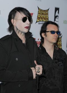 Cudos to Marilyn Manson for standing by (and behind) Damien Echols!