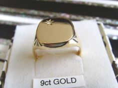 GENTS 9CT YELLOW GOLD DIAMOND SIGNET RING, SIZE T